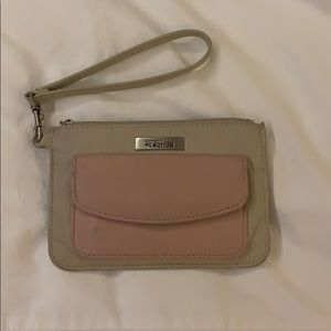 Kenneth Cole REACTION hand purse